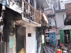 Cháy 13 căn nhà ở TPHCM: Rụng rời nhìn cảnh hoang tàn