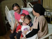 Bà bầu - Chuyện lạ: Mẹ Singapore sinh 2 con cách nhau 10 tháng