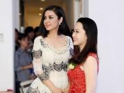 Tin tức giải trí - Việt Trinh rạng rỡ tuổi tứ tuần