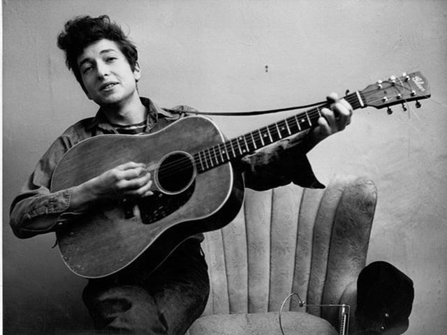 Vì sao nhạc sĩ, ca sĩ Bob Dylan giành giải thưởng Nobel Văn học 2016?