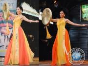Nguyễn Thi Loan rạng ngời áo tứ thân tại Hoa hậu Hoà Bình Quốc tế