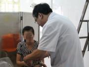 Tin tức - Bà bất cẩn, cháu bé 4 tuổi phải nhập viện vì bị bỏng hộp mỳ tôm