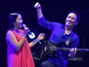Diva Mỹ Linh đứng chung sân khấu với chồng, nhảy bốc lửa chưa từng có