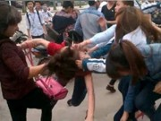 Tin tức - Vì sao ngày càng xuất hiện nhiều clip nữ sinh đánh nhau?