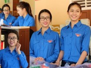 Làng sao - Hoa hậu Mỹ Linh, Á hậu Thanh Tú mặt mộc, mặc giản dị đi tình nguyện