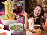 """Bếp Eva - Không bàn cãi, """"mì bay"""" chính là món ăn đang """"sốt xình xịch"""" tháng 10 này ở Việt Nam"""