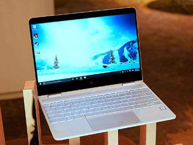 """HP Spectre X360: Laptop 2 trong 1 thiết kế đẹp, hiệu suất """"trâu"""""""