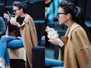 Thời trang - Thanh Hằng ăn vội mì gói chống đói mà vẫn xinh như thế đó!