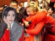 Làng sao - Cô gái trẻ bất ngờ bật khóc khi gặp Hoa đán Phạm Băng Băng