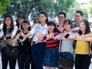 Thời trang - Hoa hậu Mỹ Linh: 'Em vẫn là cô học trò nhỏ của các thầy cô'