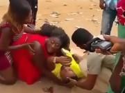 Tin tức - Chàng trai giả bị xe tông chết rồi bật dậy cầu hôn bạn gái