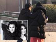 Làng sao - Tạ Đình Phong và Vương Phi nắm tay nhau như cặp vợ chồng già dạo phố