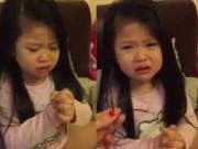 Clip Eva - Em bé dễ thương bị mẹ mắng vì tự ý cắt tóc