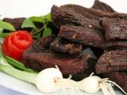 Bếp Eva - Cách làm thịt trâu gác bếp ngon hơn ngoài hàng của bà mẹ một con