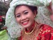Clip Eva - Lũ mặc lũ, cô dâu chú rể vẫn tổ chức đám cưới dưới mưa