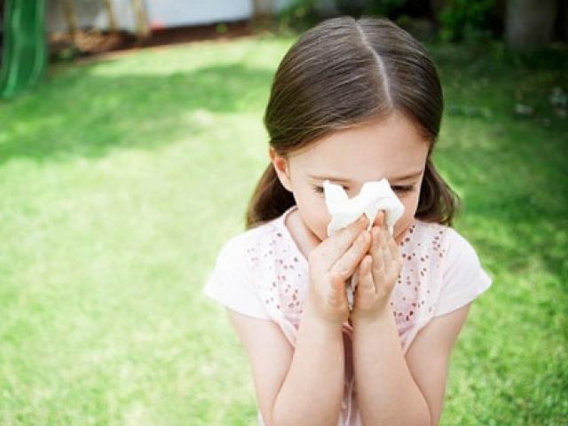 Những sai lầm nghiêm trọng khiến trẻ viêm mũi, viêm họng quanh năm