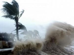 Tin mới áp thấp nhiệt đới: Đảo Lý Sơn đang hứng gió mạnh, Thanh Hóa-Quảng Ngãi đã có mưa to