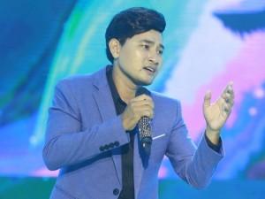 Xúc động nghẹn ngào khi nghe Huỳnh Đông hát ca khúc để đời của Minh Thuận