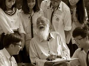 Học trò ứa nước mắt kể lại kỷ niệm về thầy Văn Như Cương