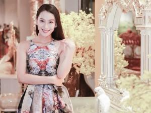 Á hậu Vân Quỳnh xinh đẹp đọ sắc Phan Hoàng Thu tại sự kiện