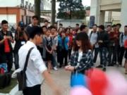 Tin tức - Sự thật clip nữ sinh cầm bóng bay tỏ tình bị chàng trai phũ phàng vứt đi
