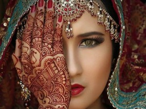 Henna - dòng xăm độc quyền của Ấn Độ