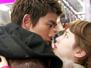 1001 tình huống dở khóc dở cười phía sau một nụ hôn trong phim Hàn