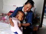 Tin tức - Tâm sự nghẹn ngào của người mẹ có con mắc căn bệnh lạ, nuôi mãi không lớn