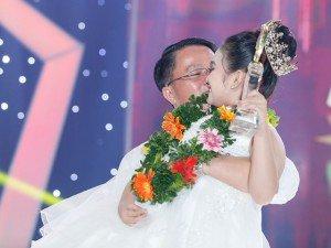 Con gái nuôi cố nghệ sĩ Khánh Nam đăng quang: Bất ngờ, bố ruột của bé xuất hiện
