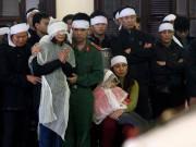 Tin tức - Tin tức 24h: Vợ trẻ con thơ khóc nghẹn tiễn đưa Trung tá CSGT bị tông chết trên cao tốc