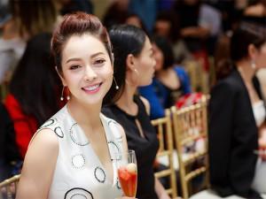 Jennifer Phạm tiết lộ bí quyết luôn xinh đẹp, trẻ trung dù đã 3 lần sinh nở