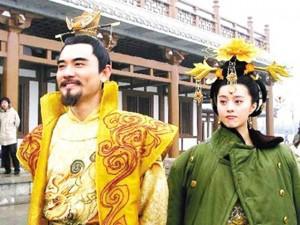 """Muôn kiểu chống rét """"bá đạo"""" của sao Hoa - Hàn khi đóng phim mùa đông"""