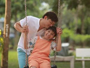 Quý Bình - Quỳnh Chi lần đầu làm cha mẹ trong phim