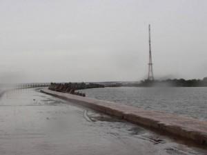 Bão số 16 (Tembin) suy yếu thành áp thấp nhiệt đới, mưa lớn diện rộng khắp Trung-Nam Bộ
