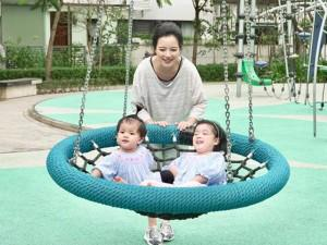 """Chia sẻ của hotmom Minh Trang về những bế tắc khi nuôi con được chị em """"gật đầu"""" tâm đắc"""