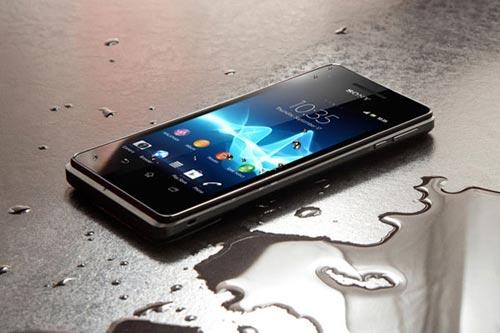 5 smartphone chong nuoc xuat sac tai viet nam - 1