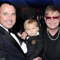 """Làng sao - Elton John lại có thêm con nhờ """"đẻ thuê"""""""