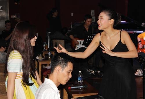 """showbiz tuan qua: nhung guong mat """"kho do"""" - 3"""