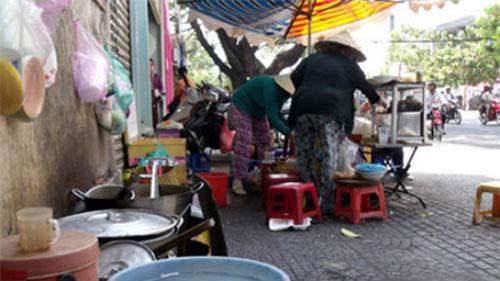 nguoi ban hang an duong pho phai... di hoc - 1