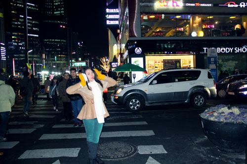 Trà Ngọc Hằng vui sinh nhật ở Hàn Quốc-3
