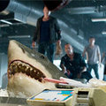 Xem & Đọc - Khi cá mập khát máu bơi trong... siêu thị