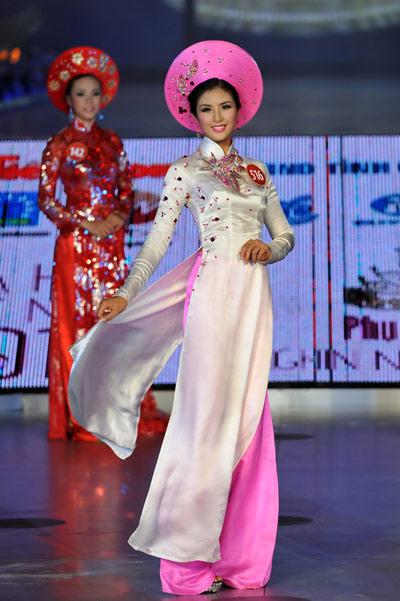 10 my nhan mac ao dai dep nhat showbiz - 9