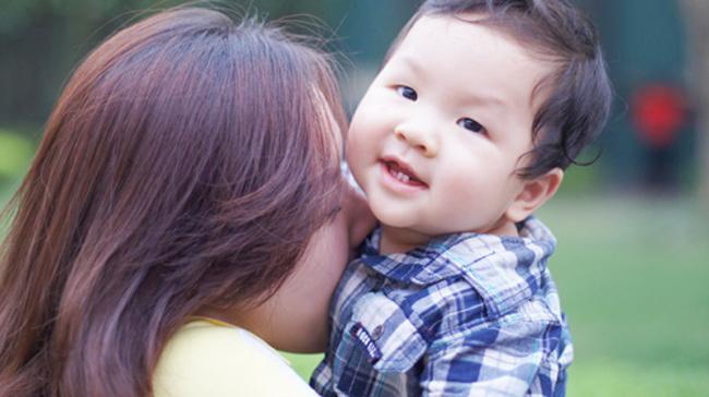Ngắm con trai đáng yêu của Đan Lê