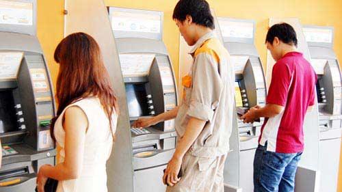 Gần Tết lại lo ATM không nhả tiền-1