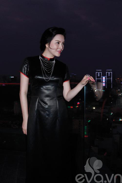 ly nha ky lam dai su ao dai vo viet chung - 15