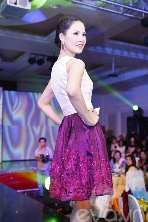 HH Trần Thị Quỳnh rạng rỡ bên Thu Hương-15