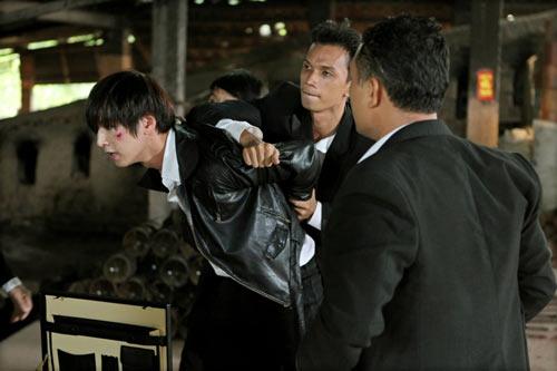 Diễn viên Min Woo bị đánh bầm dập ở Sài thành-10