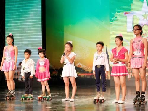 Nhóm Hoa mẫu đơn làm BGK và MC rơi nước mắt-1
