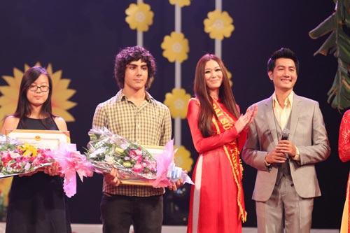 Khánh My duyên dáng bên mẹ chồng Hà Tăng-15