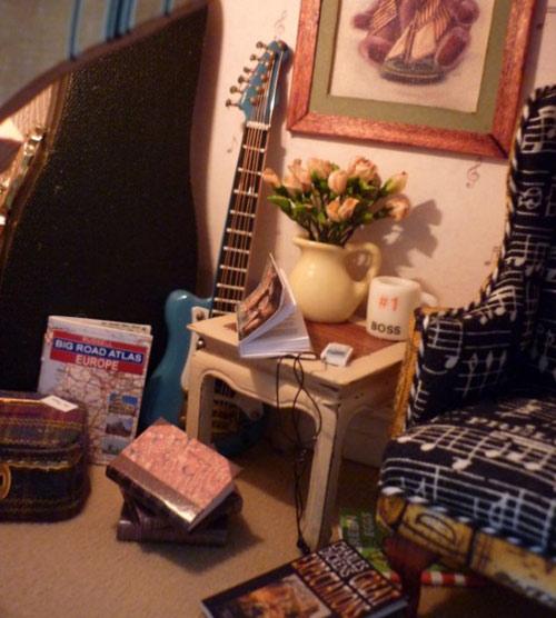 Nhà cực xinh nằm gọn trong... đàn ghita-6